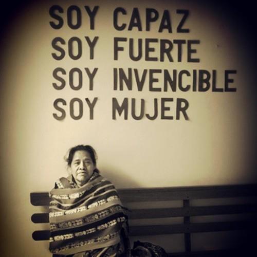 Imagen de mujer soltera tilde